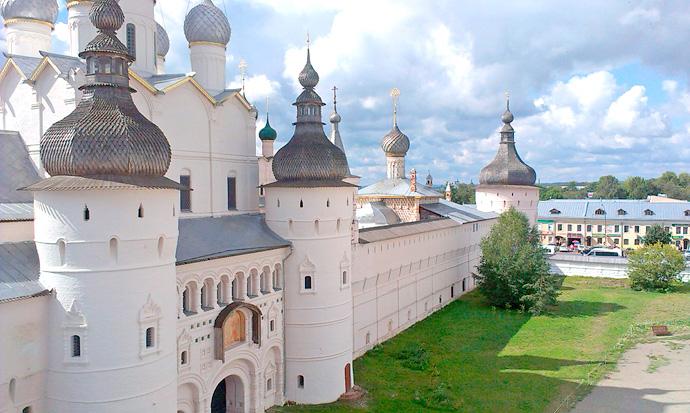 Вход в Ростовский Кремль в городе Ростов Великий